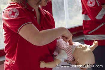 Manovre salvavita pediatriche in un corso a Vezzano con la Croce Rossa - Bologna 2000