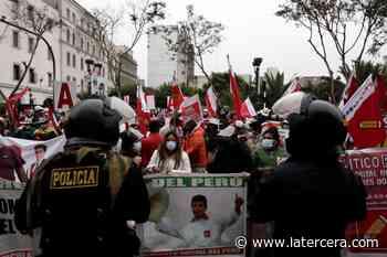 """Alberto Vergara: """"El peligro más grande en Perú es el desgobierno"""" - LaTercera"""