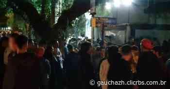 Guarda Municipal dispersa cerca de 2 mil pessoas no entorno da Rua Padre Chagas - GZH