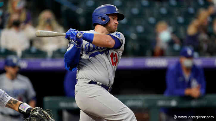 Dodgers place Max Muncy (oblique) on 10-day injured list