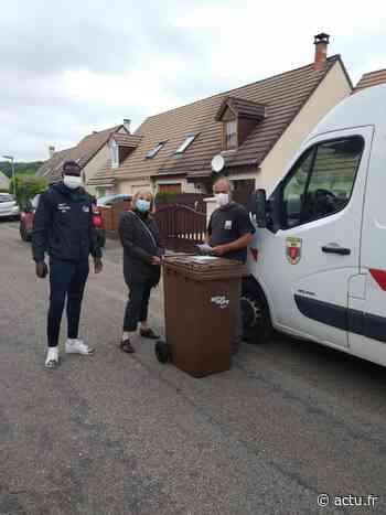Eure. Gaillon : les bacs de recyclage des déchets verts livrés à domicile - actu.fr