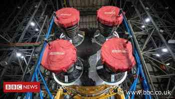 SLS: First view of Nasa's assembled 'megarocket'