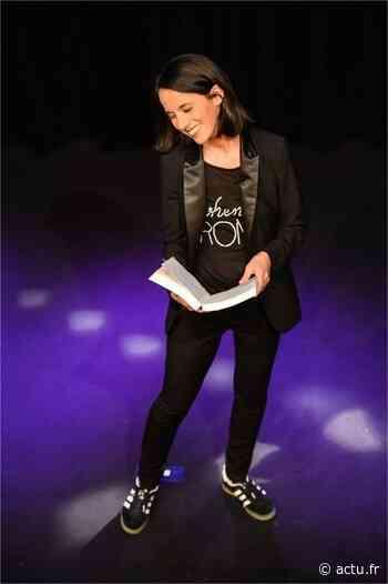 Vidéos. L'humoriste et chroniqueuse Sophia Aram se se produit à Falaise, il reste des places - actu.fr