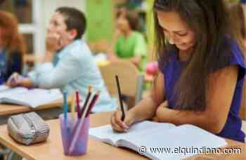 En Armenia, 8.481 estudiantes reciben kits escolares de parte de Comfenalco - El Quindiano S.A.S.