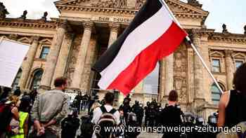 Innenminister: Erlass gegen Reichskriegsflaggen steht