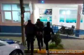 Se enfrentó con una tijera a un ladrón que entró a su casa - La Capital de Mar del Plata