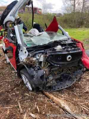 Verkehrsunfall mit schwerverletzter Person in Gerolstein-Lissingen - EMZ Eifel-Mosel-Zeitung - Eifel Zeitung