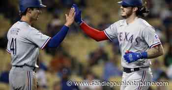 Los Rangers cortan su mala racha y aplastan a Dodgers 12-1 - San Diego Union-Tribune en Español