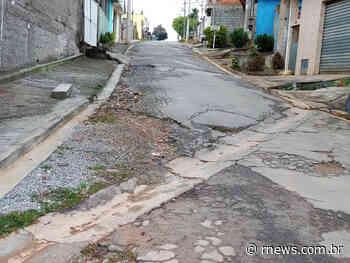Buracos geram transtornos no Parque 120 em Francisco Morato - RNews