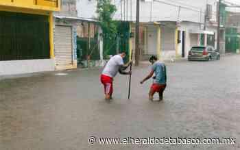 Lluvias provocan calles inundadas y caos vial en Villahermosa - El Heraldo de Tabasco