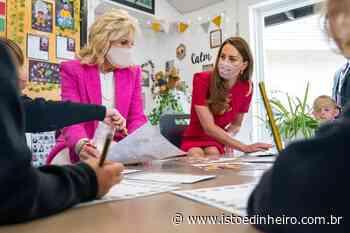 Jill Biden fica lado a lado com a realeza britânica em visita ao Reino Unido - Istoé Dinheiro