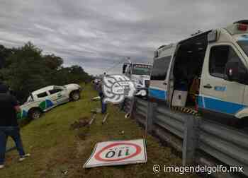Vuelca camioneta en el libramiento Xalapa-Perote - Imagen del Golfo