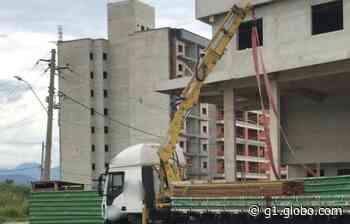 Trabalhador da construção civil morre eletrocutado em Resende - G1