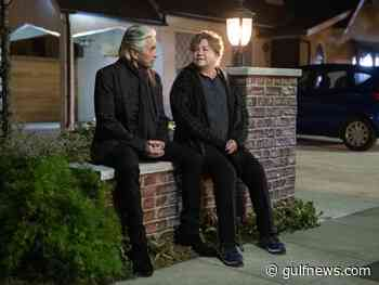 Michael Douglas and Kathleen Turner have fun, foul-mouthed reunion on 'Kominsky' - Gulf News