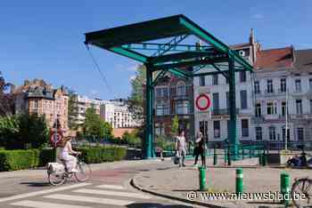 Het groene brugje aan de Coupure is terug open na herstellingswerken