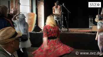 Immer wieder sonntags in Hamburg: Senioren tanzen Rockabilly gegen Einsamkeit – auf dem Fischmarkt   svz.de - svz – Schweriner Volkszeitung