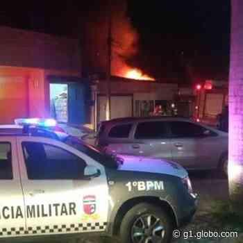 Incêndio de 7 horas destrói armazém de materiais de festas em Natal - G1