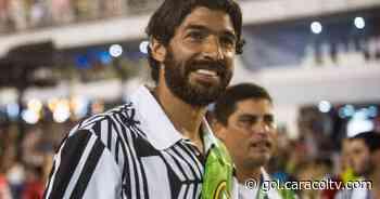 Lo despidieron como un 'ídolo': Godín, Forlán, Suárez y más, felicitan al 'Loco' Abreu en su retiro - Gol Caracol