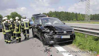 Unfall auf der A8 Richtung Salzburg - stockender Verkehr