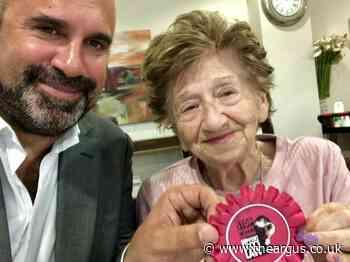 Vet Marc Abraham who helped Boris Johnson given honour