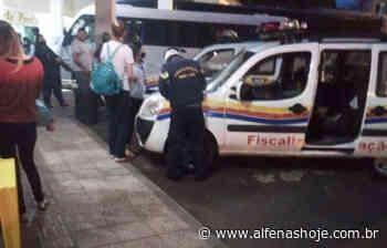 Dois ônibus são apreendidos por transporte clandestino de passageiros - Alfenas Hoje