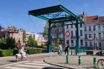 Het groene brugje aan de Coupure is weer open na herstellingswerken