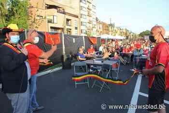 Schepen opent voetbaldorp met knippen tricolore lintje (Zelzate) - Het Nieuwsblad