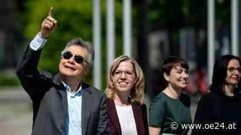 Riesen-Wirbel um Medien-Ausschluss bei Grünen Parteitag - oe24