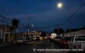 Entregan luminarias en La Loma - Diario de Querétaro