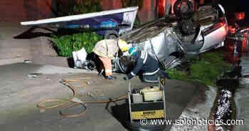 Joven pierde la vida al volcar su vehículo en San Miguel - Solo Noticias
