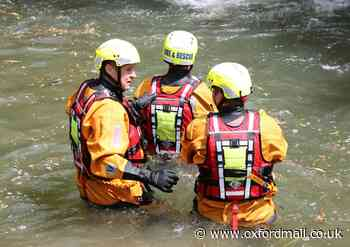 Oxford firefighters carry out rescue exercise in Castle Mill Stream