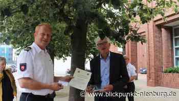 Nienburger Polizeiakademie übernimmt Patenschaft für Stolpersteine der Familie Weinberg - blickpunkt-nienburg.de