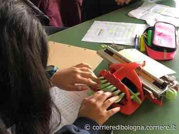 Vergato, la classe impara il braille per aiutare la compagna ipovedente - Corriere della Sera