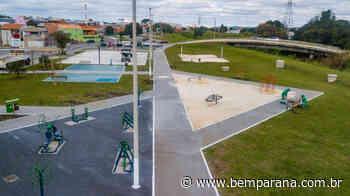 Equipamentos são instalados na nova praça do Parque Linear, em Pinhais - Bem Paraná - Bem Paraná