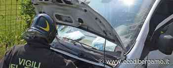 Schianto tra un'auto e un furgone a Romano di Lombardia: due feriti, arriva l'elicottero - Le foto - L'Eco di Bergamo