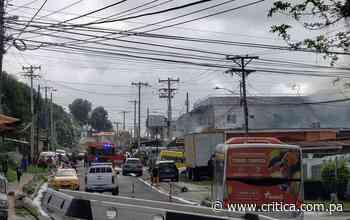 Fuego por segunda vez en una casa en San Miguelito. Un perro muerto y afectados - Crítica Panamá
