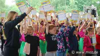 Corona im Barnim: Barnimer Kinder- und Jugendfestival vor Publikum im Familiengarten Eberswalde ausgetragen - moz.de