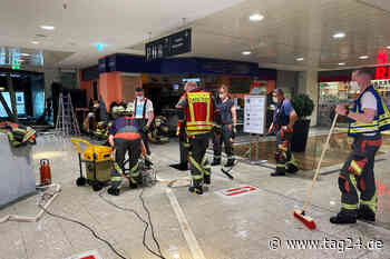 Norderstedt: Wasserrohrbruch in Einkaufscenter bringt Decke zum Einsturz! - TAG24