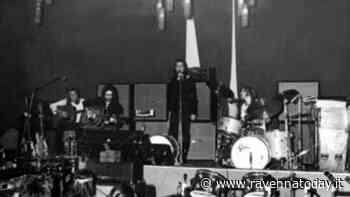 """Quando i Genesis suonarono all'ex Enal di Lugo: """"Sorgerà lì il nuovo auditorium"""" - VIDEO - RavennaToday"""