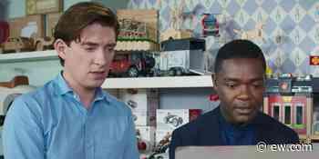 Domhnall Gleeson and David Oyelowo break down their 'ridiculous' 'Peter Rabbit 2' boxing scene - EW.com