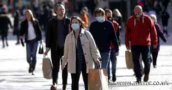 'Experts divided over wearing face masks outside fuelling confusion over risk'