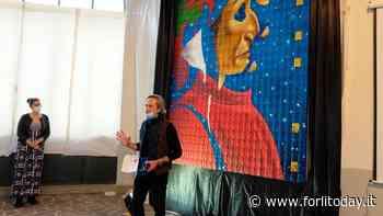 Inaugurato a Modigliana il Dante gigante, costruito con 700 mattoncini - ForlìToday