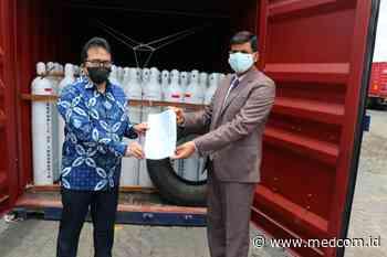 Melalui KJRI Mumbai Indonesia Hibahkan 1 400 Oksigen Tabung ke India - Medcom.Id