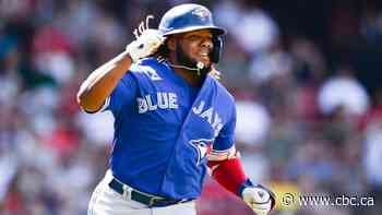 Blue Jays explode for 8 home runs in dominant win over Red Sox
