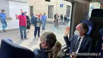 Da Conegliano a Belluno, il video del viaggio in treno di Zaia - TrevisoToday