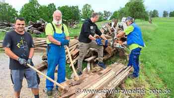 Altensteig - Fackeln: Vorbereitung auf Normalität - Schwarzwälder Bote