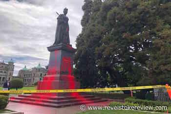 Queen Victoria statue at BC legislature vandalized Friday – Revelstoke Review - Revelstoke Review