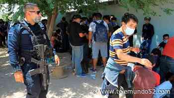 Rescatan a 140 migrantes en la frontera mexicana: estaban hacinados en dos cuartos - Telemundo 52