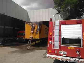 Incêndio atinge caminhão dentro dos Correios na Zona Sul de Teresina - G1