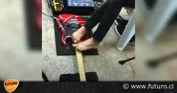 "Guns N' Roses: Guitarrista toca ""Sweet Child O' Mine"" con los pies - Radio Futuro"